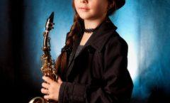 Dívka se Saxofonem